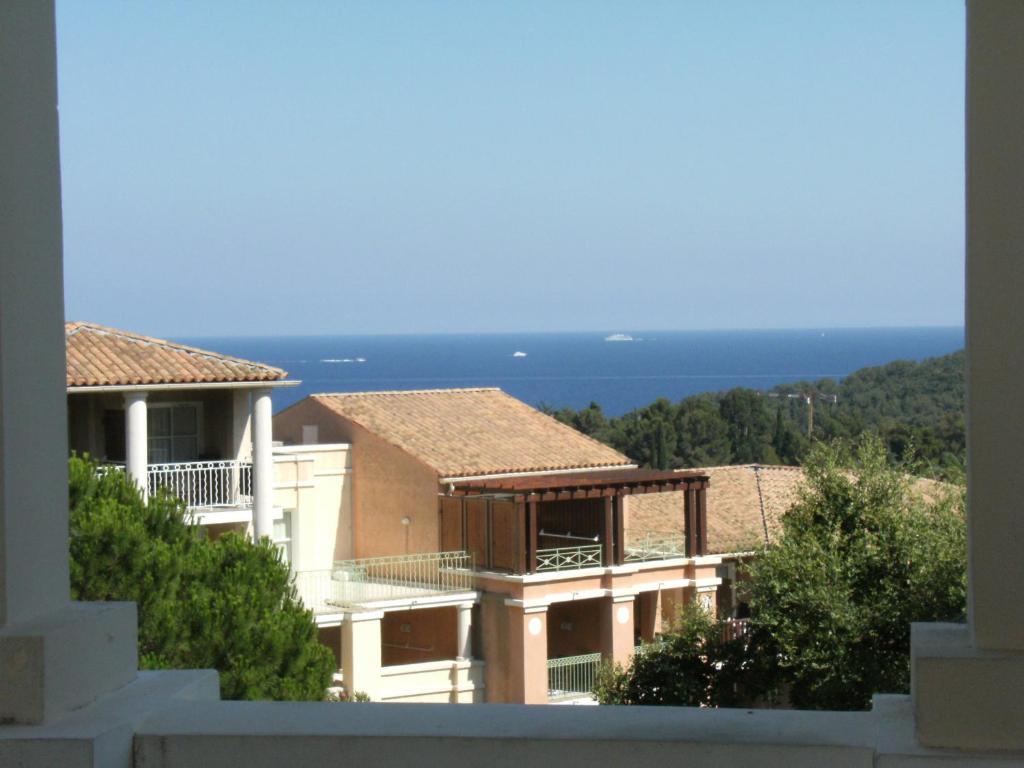 Cap Estérel Vacances - studio mer G2 terrasse couverte ...