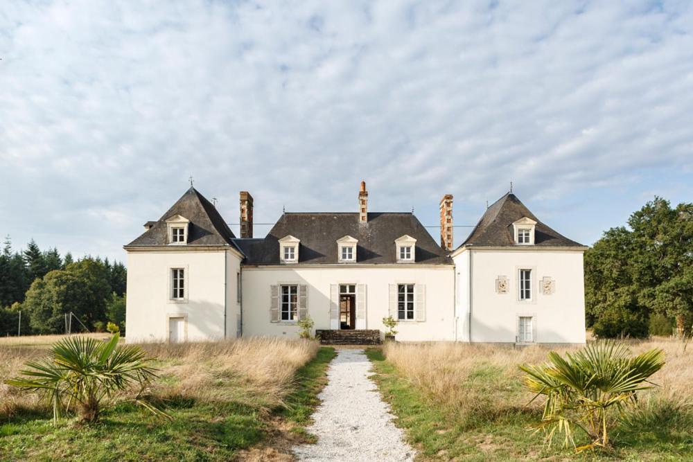 Saint Jean Du Bois Chateau 15 Personnes Piscine Wifi Gite De Groupe