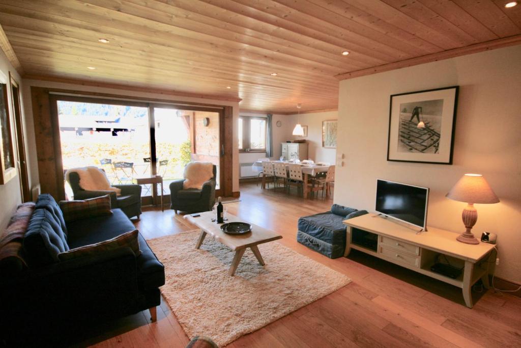 Apartment Le Jardin d\'Arnica - Apartment in Les Gets en ...