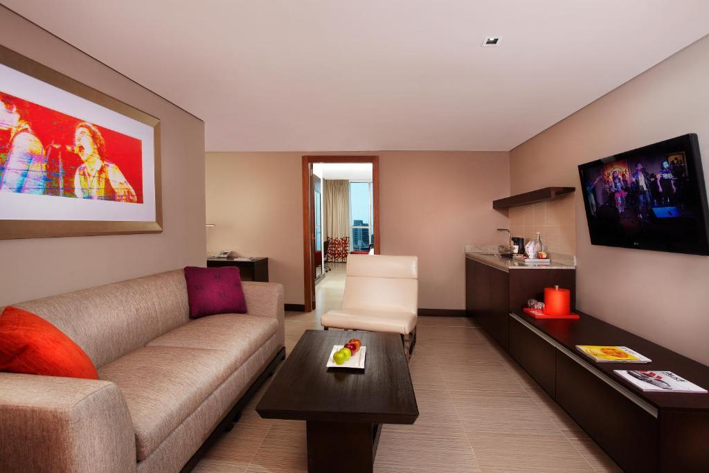 Hard rock hotel panama megapolis panam reserva tu for Habitaciones familiares italia