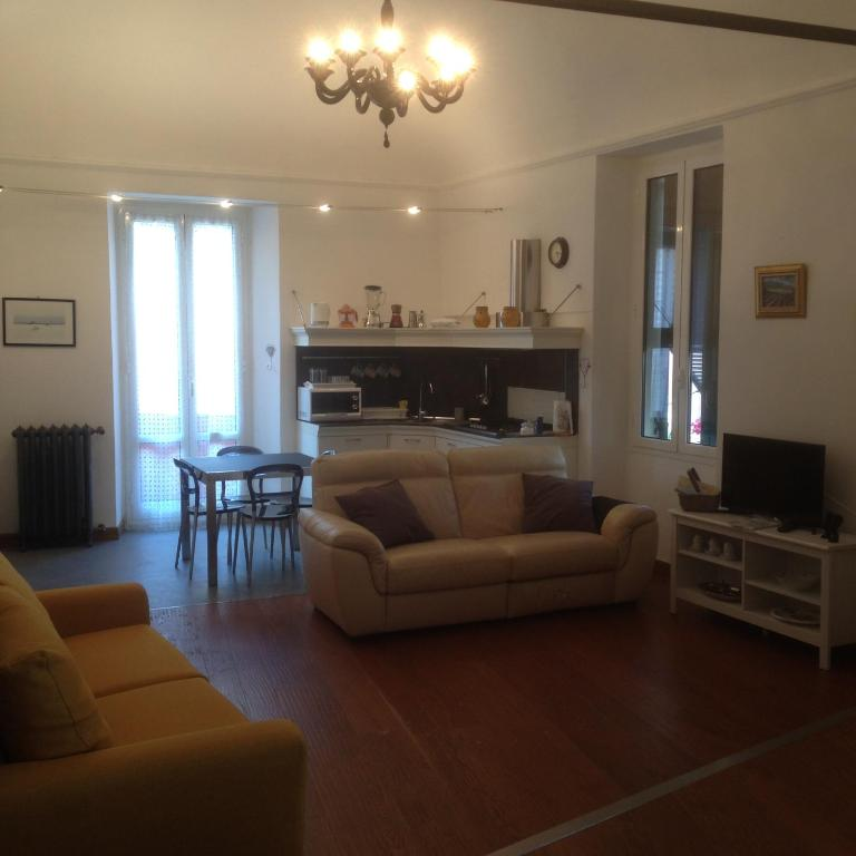 open-space vicino al mare, Appartement Finale Ligure
