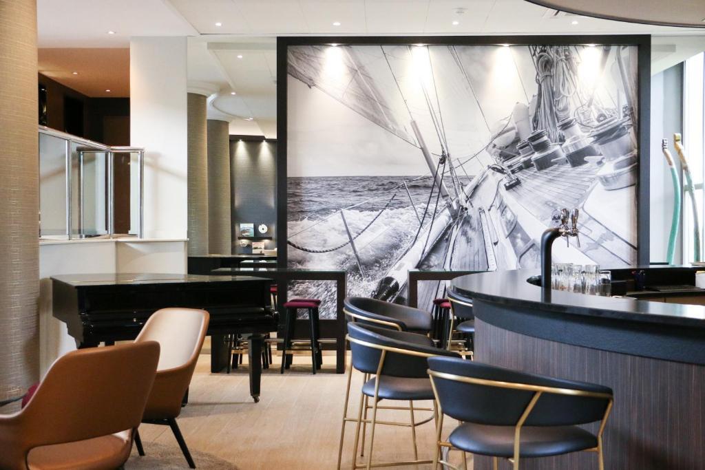 best western plus hotel admiral la tour de salvagny. Black Bedroom Furniture Sets. Home Design Ideas
