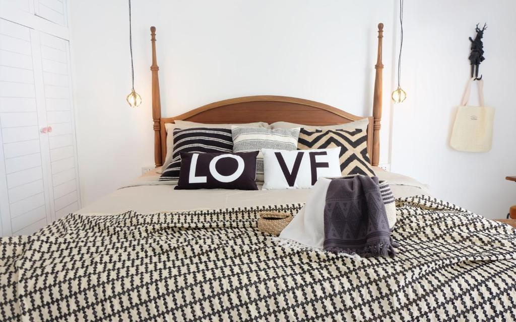 boho room decor diy.htm blanc bohemian chic 3 bedrooms   diy breakfast  artpartment boho  blanc bohemian chic 3 bedrooms   diy