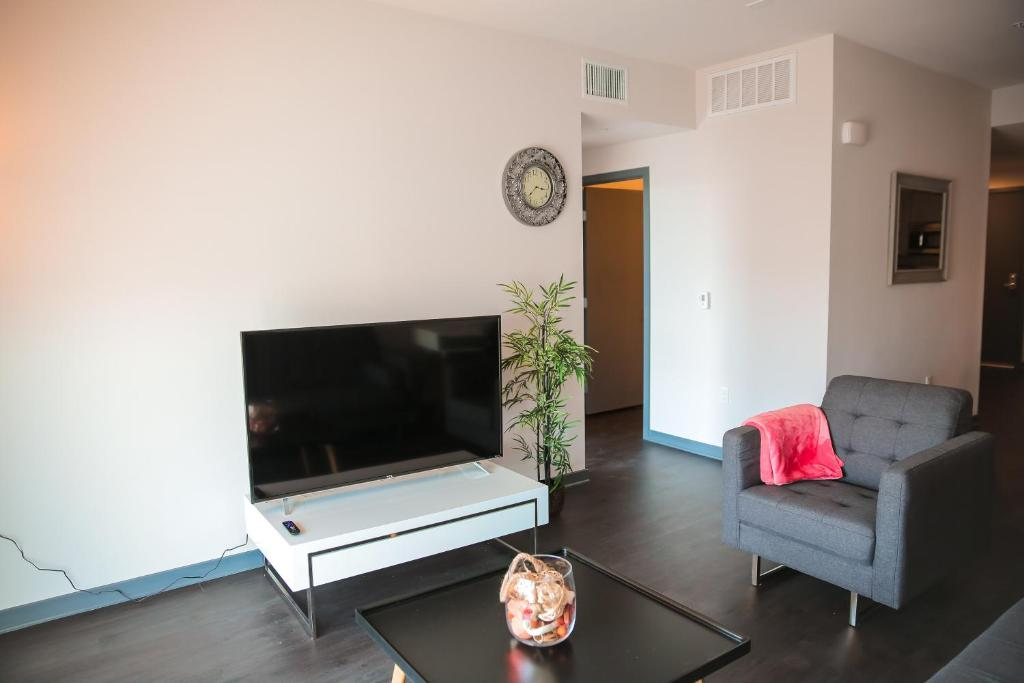 Upscale Apartment In Downtown La Apartments Los Angeles