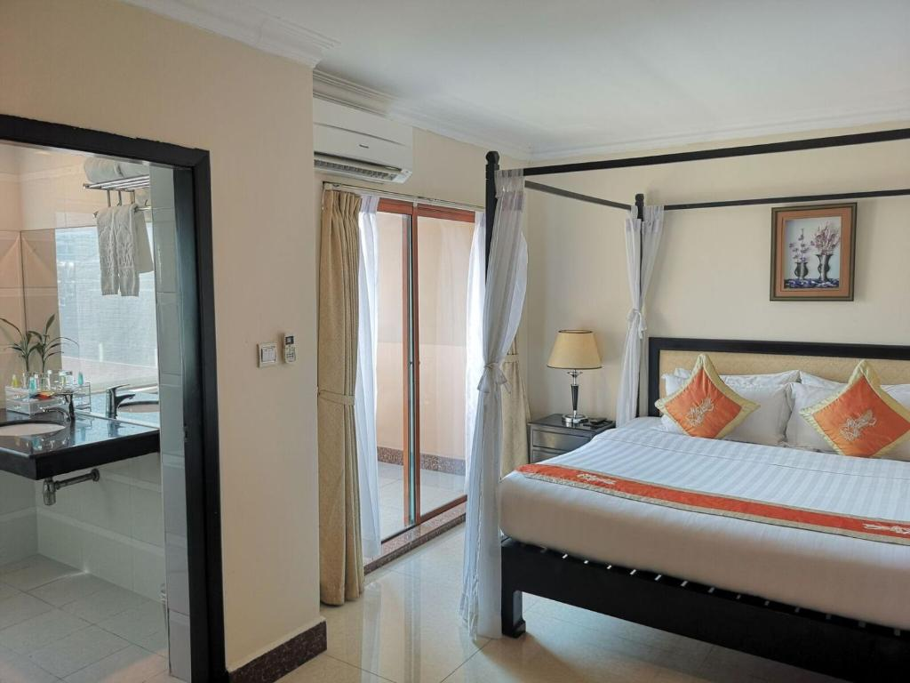 Cardamom Hotel Apartment Phnom Penh