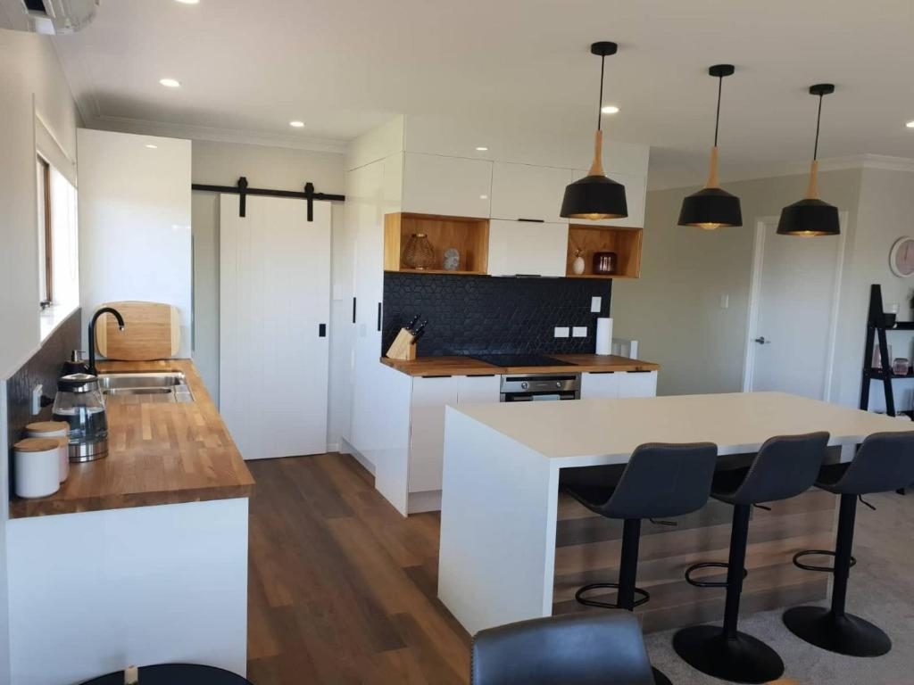 All new everything, beautiful relaxed open space, Maison de ...
