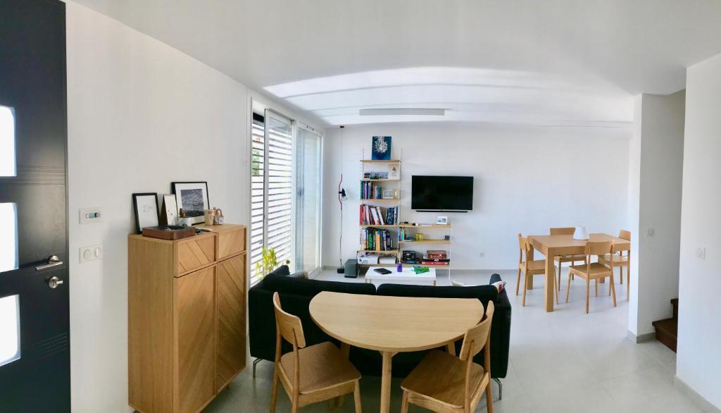 Villa moderne au bord de mer à Carro - Villa in Martigues in les ...