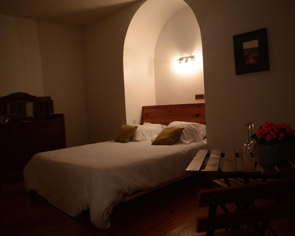Chambre d\'hôtes Ancienne Gendarmerie, Bed & Breakfast Le Buisson-de ...