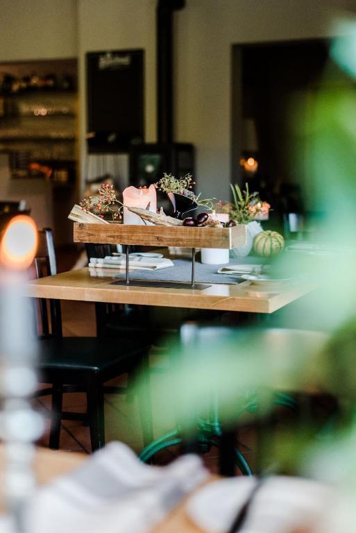 Hotel Sommer S Schone Aussicht Restaurant Suiten Reichenbach Im
