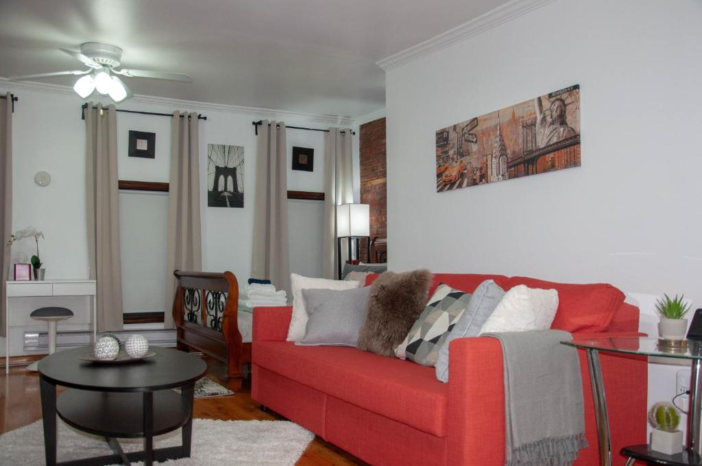 Picture of: Cozy Private Studio Apartment 14 Min Away From Manhattan 4 People 2 Beds Apartment Jersey City