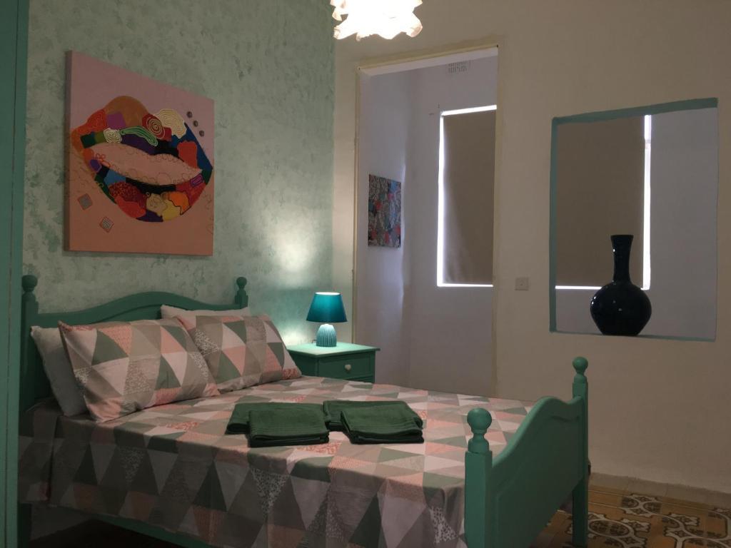 Bagno Esterno In Giardino nicolaus san julian, bed & breakfast sliema