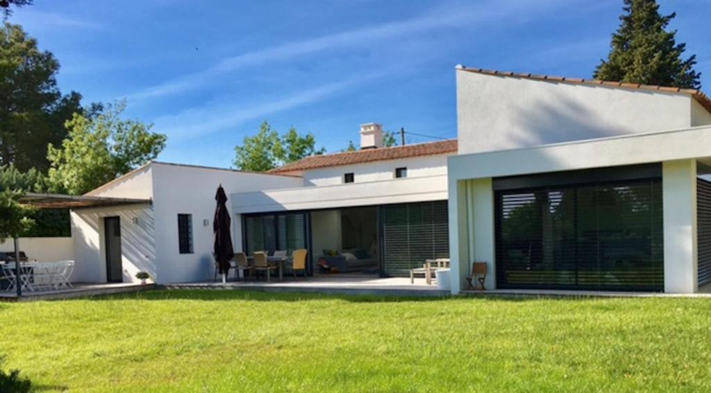 Maison moderne avec piscine (la Buissonne), Villa Puyricard