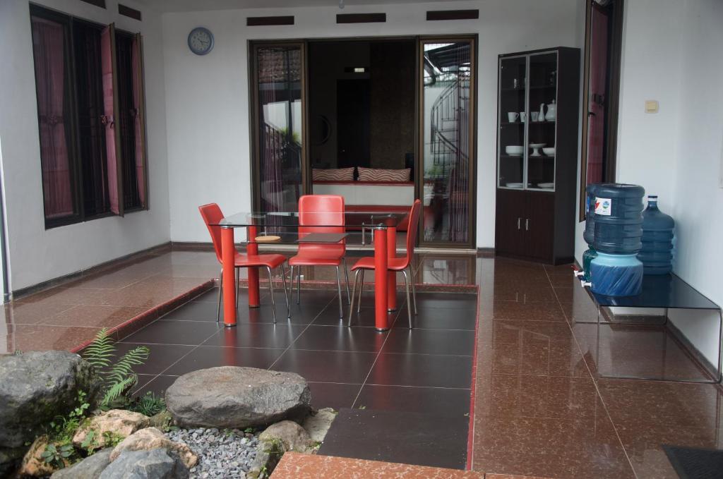 Puncak Tidar Guest House Homestays Malang