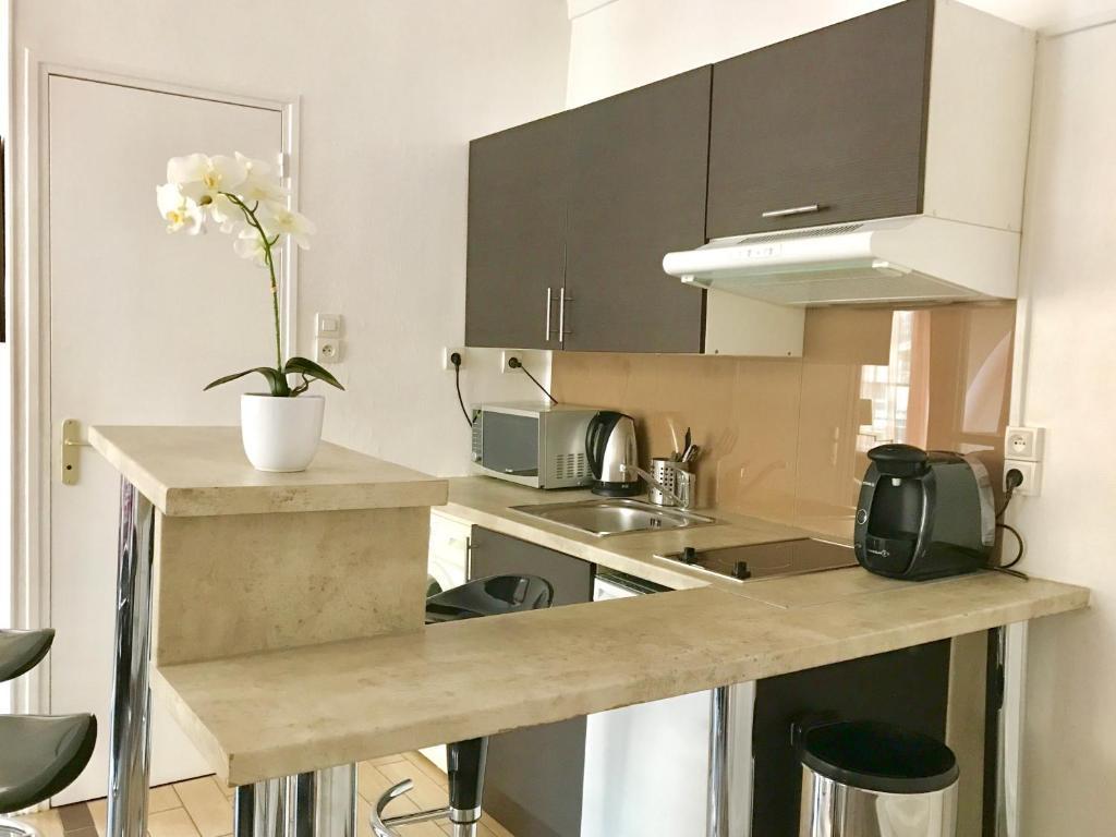 29 Rue De La Ferronnerie apartment belle-inn ferronnerie, apartment paris