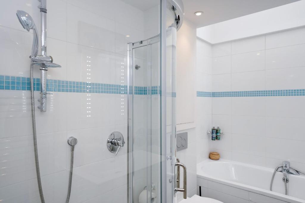 New 1 And 2 Bedroom Covent Garden Apartments Apartment London