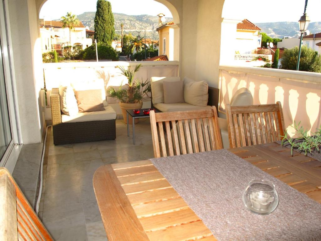 Apartment LUXURY CHARMING DUPLEX IN THE HEART OF ST JEAN CAP