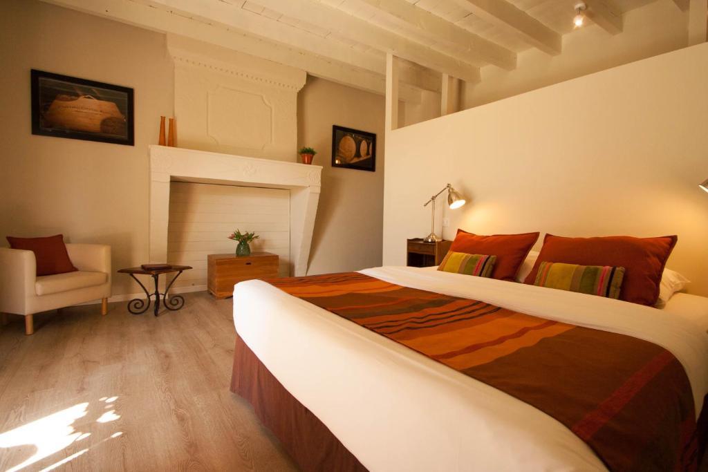 Chambres d\'hôtes Bleu Raisin, Chambres d\'hôtes Les Salles de Castillon