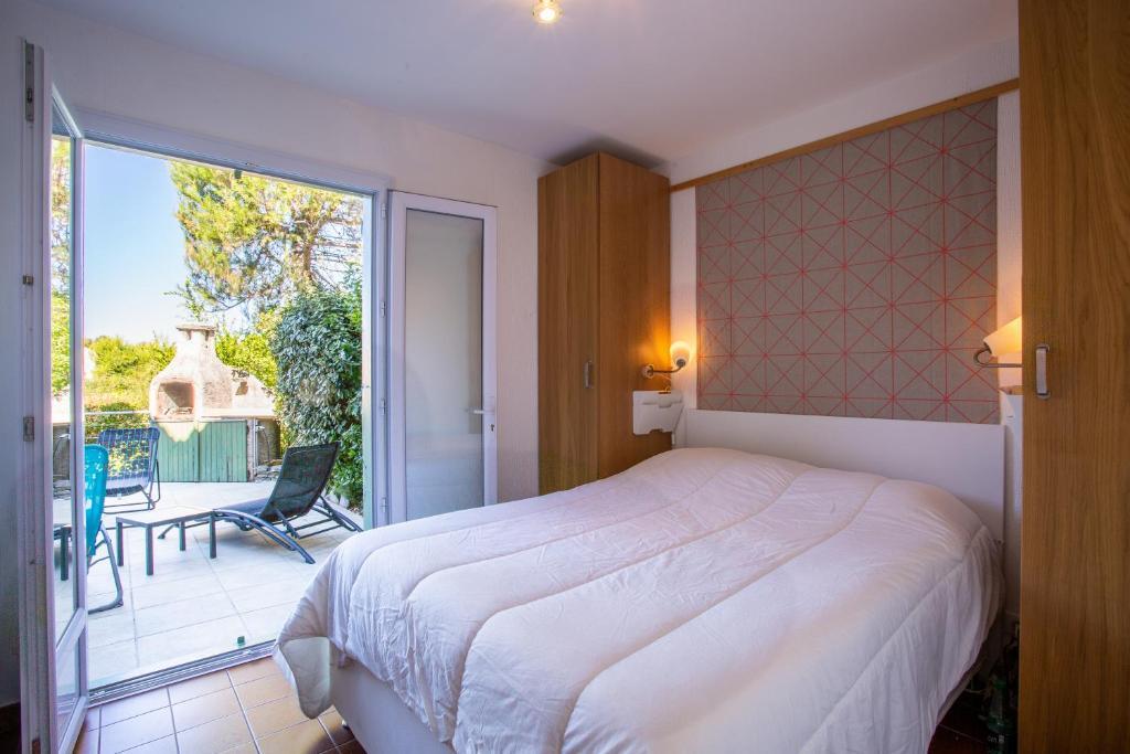 Wohnung T3 Rez de Jardin,Piscine Privée, Wohnung Saint-Cyr ...