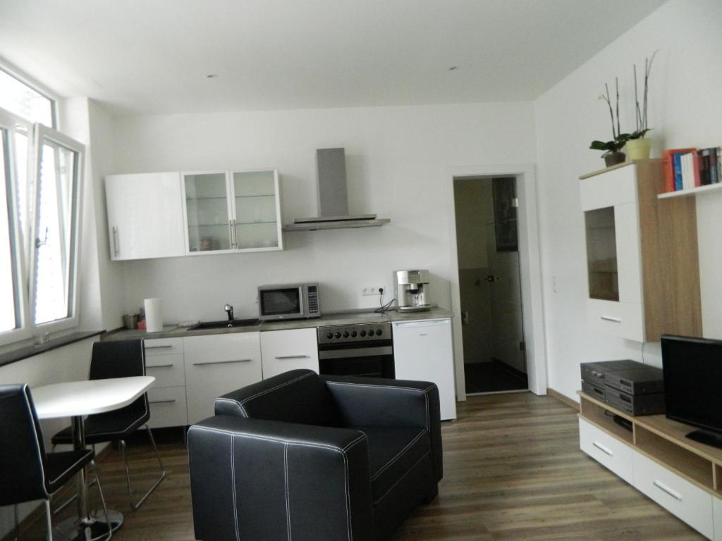 city ferienwohnung landau landau in der pfalz prenotazione on line viamichelin. Black Bedroom Furniture Sets. Home Design Ideas