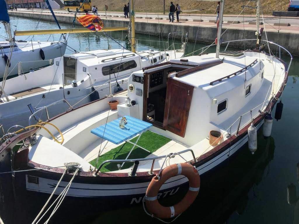 Sleeponboat Boat Barcelona