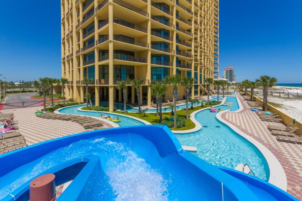 Phoenix West Ll 2315 Apartment Orange