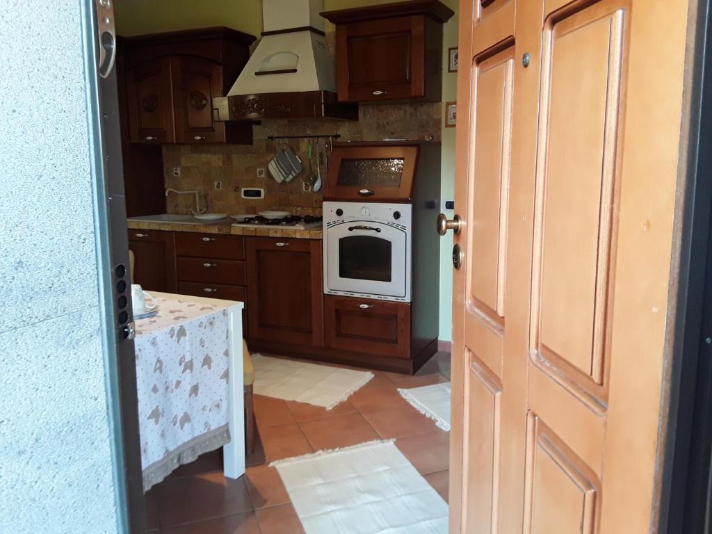 Via San Paolo, 20 Appartamento due vani con stanza soggiorno cucina ...