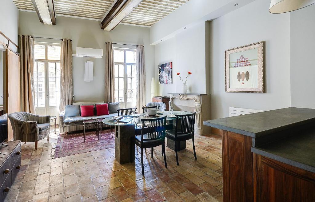 Wohnung deux chambres deux salles de bain Hotel de Ville ...