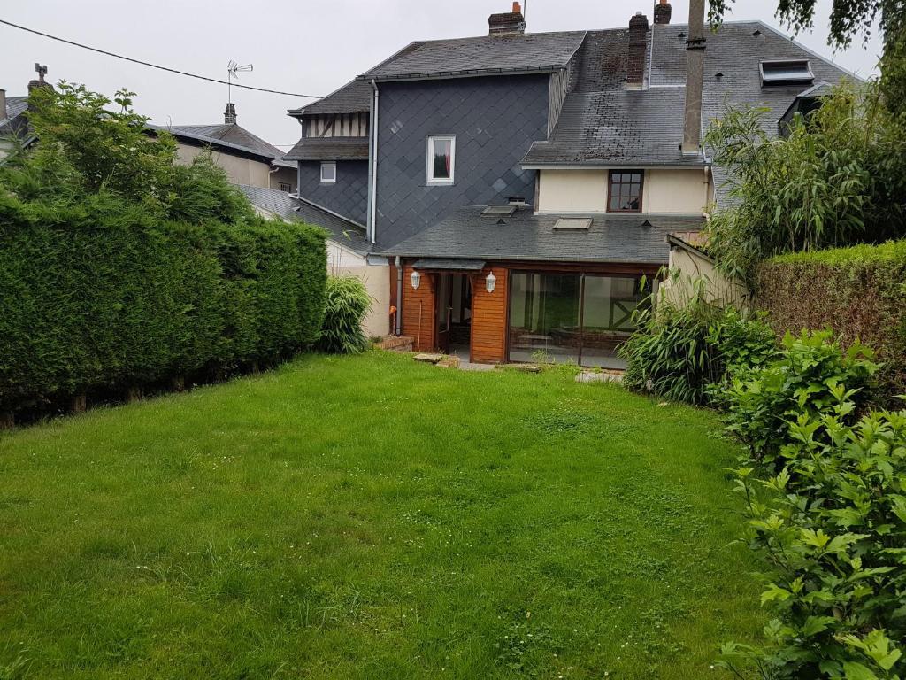 Maison avec jardin aux portes de Rouen, Ferienhaus Bois ...