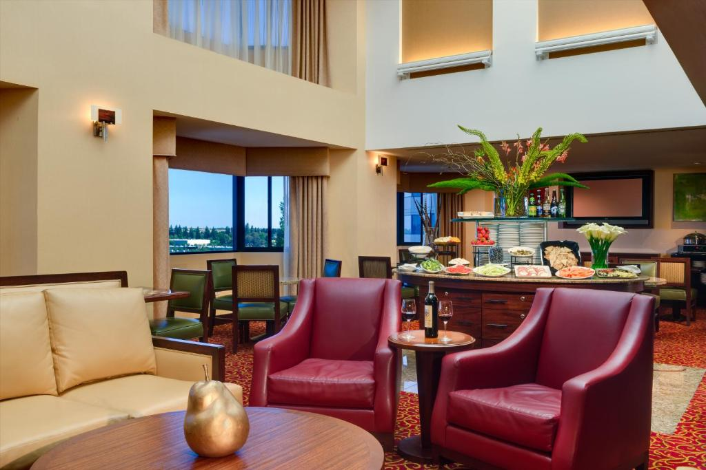 Hotels With Jacuzzi In Room Sacramento