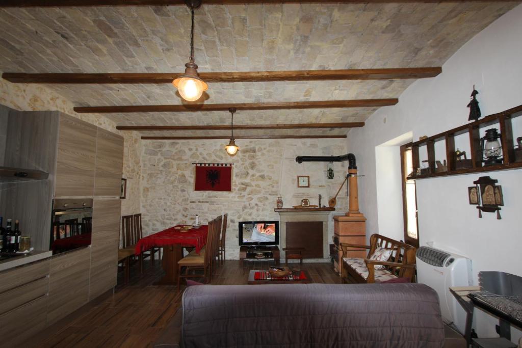 Casa rustica, Villa Cansano