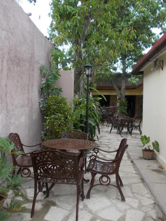 Tremendous Hostal San Ramon Bed Breakfast Camaguey Beutiful Home Inspiration Ommitmahrainfo