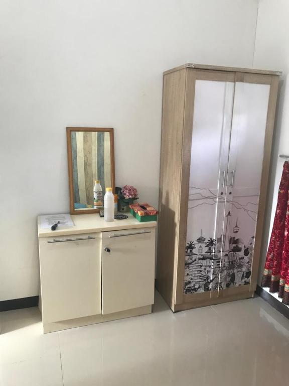 Rumah Suralaya Taman Mini Bed Breakfast Jakarta