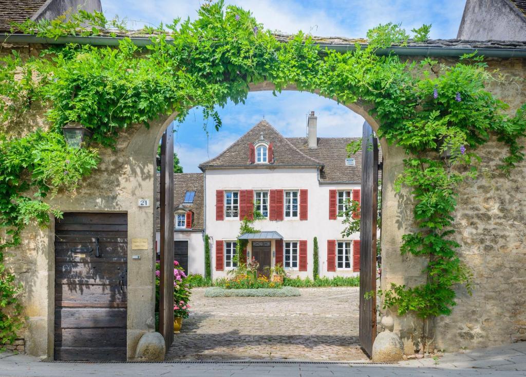 Le Village Maison D Hotes Chambres D Hotes A Montagny Les Beaune