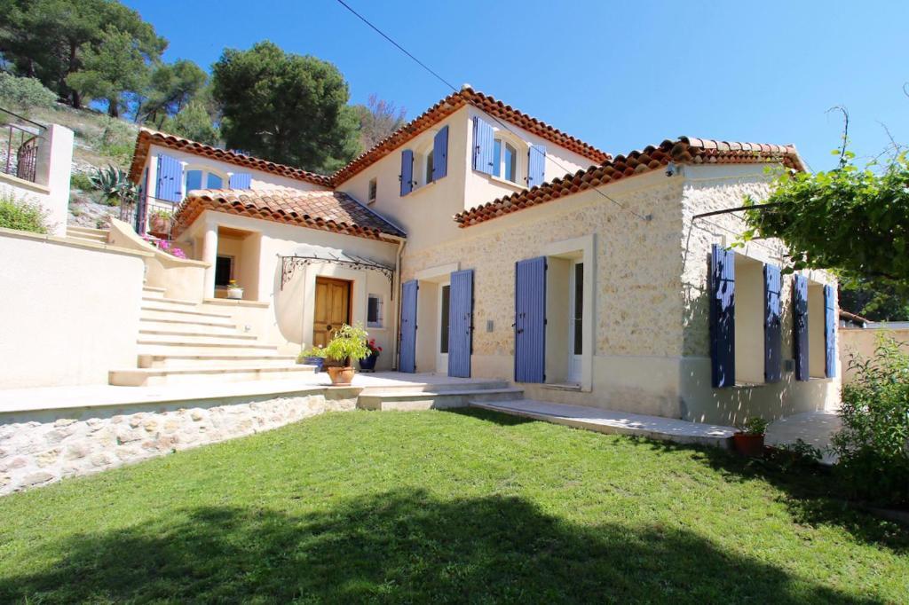 Appartement Haut de villa provençale avec terrasse et jardin ...