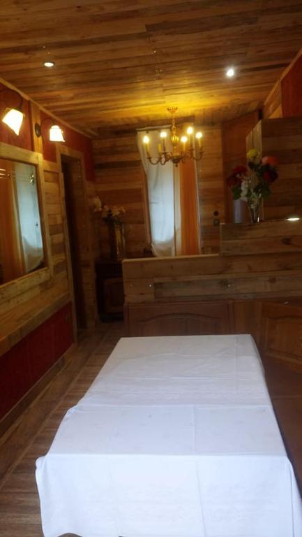 Wohnung avec cuisine salle à manger et deux chambres salle ...
