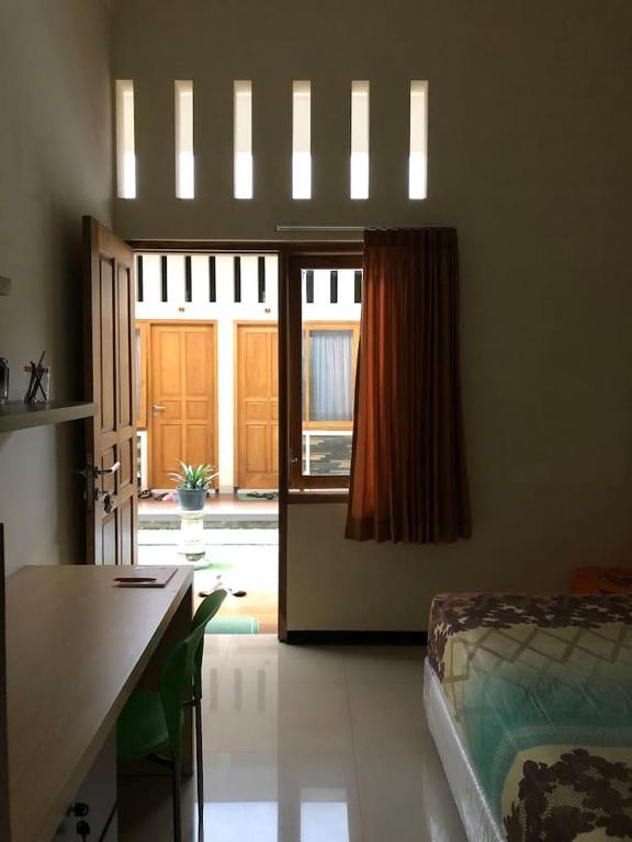 Homestay Sigura Gura Malang Holiday Home Malang
