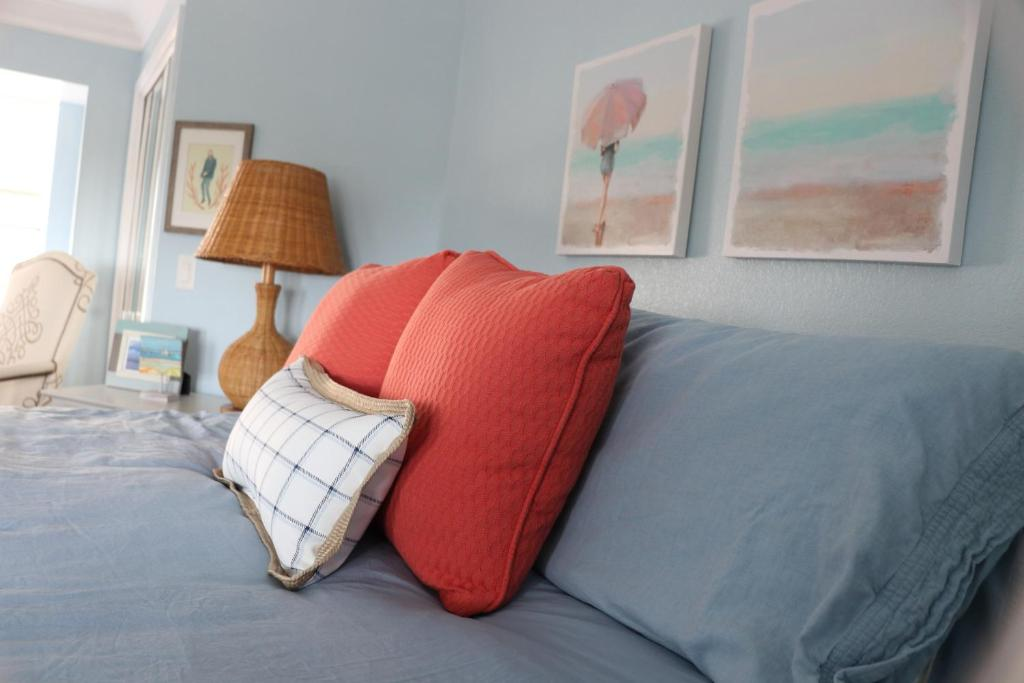 Not Your Granny S Guestroom Bed Breakfast Cambria