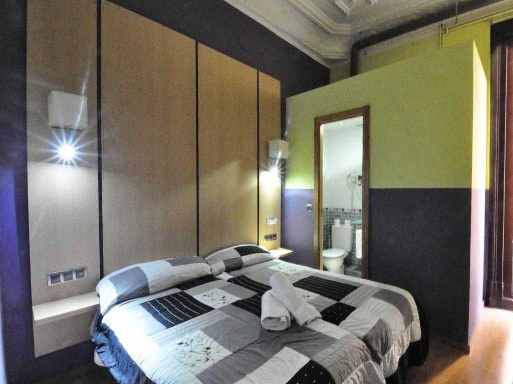 guestmaison barcelona gotic chambres d 39 h tes barcelone. Black Bedroom Furniture Sets. Home Design Ideas