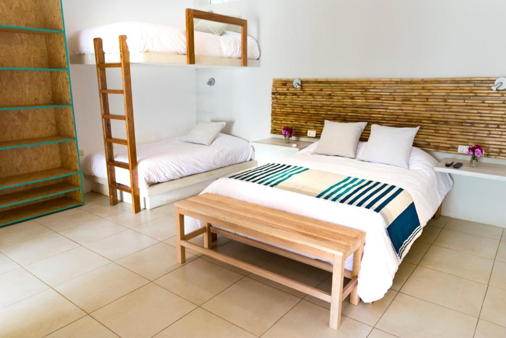 Hotel Entre Palmeras Bocapan