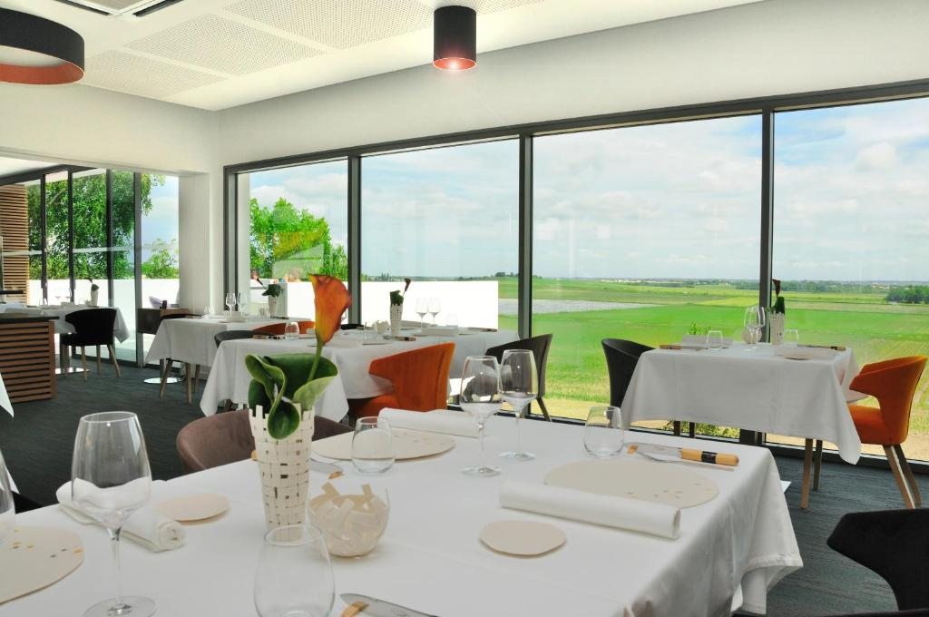 Hotel Restaurant L Aquarelle Breuillet