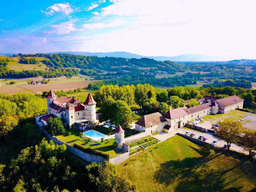 beaucoup de styles super qualité style classique de 2019 Château Chapeau Cornu Vignieu