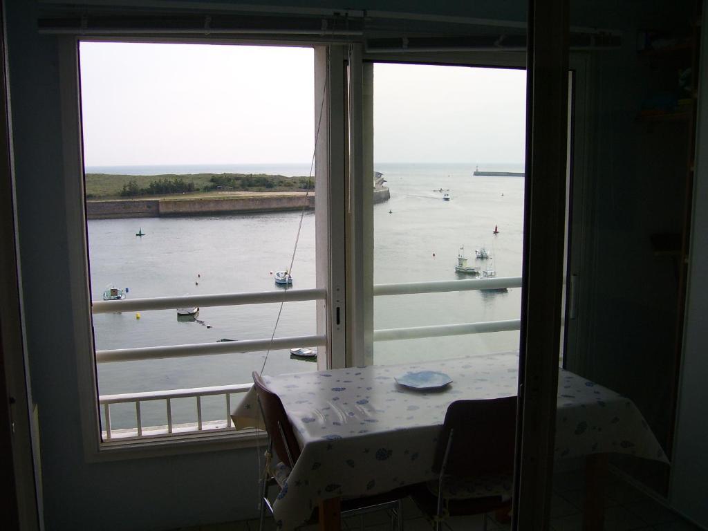 Clic Saint Gilles Croix De Vie apartamento vue sur la jetÉe du port, apartamento saint