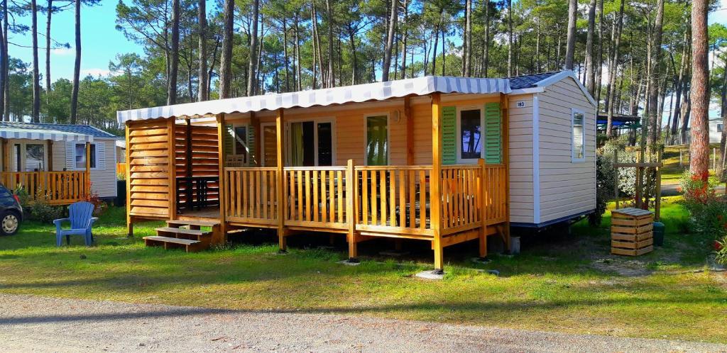 Mobilhome confortable 3 ch avec terrasse couverte et clim ...