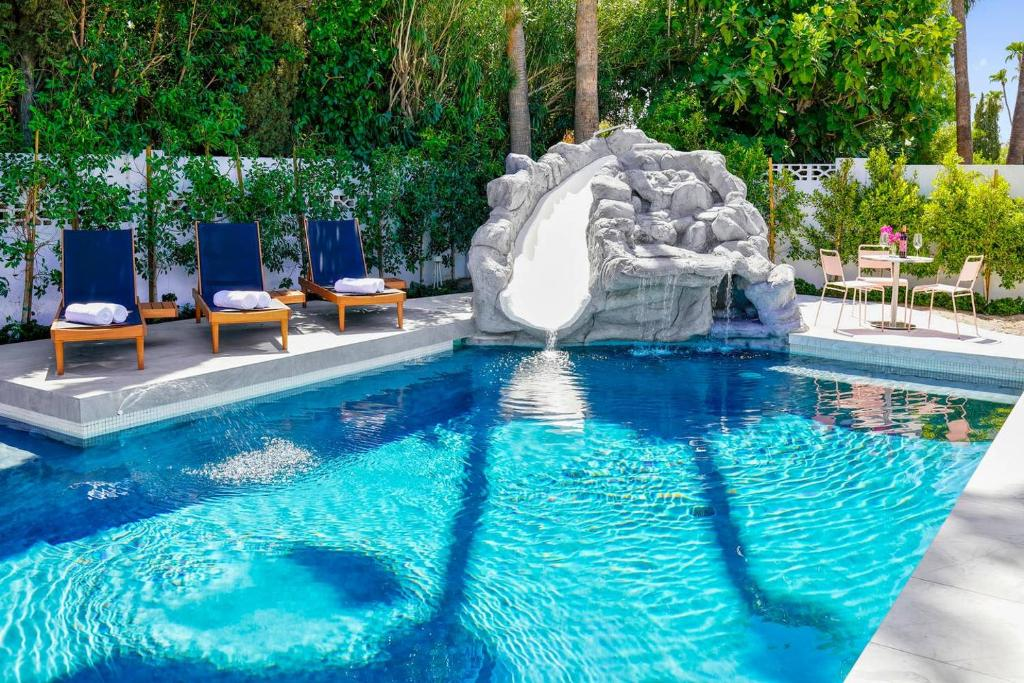Stayloom S Desert Dream Swimming Pool With Slide Holiday Home Scottsdale