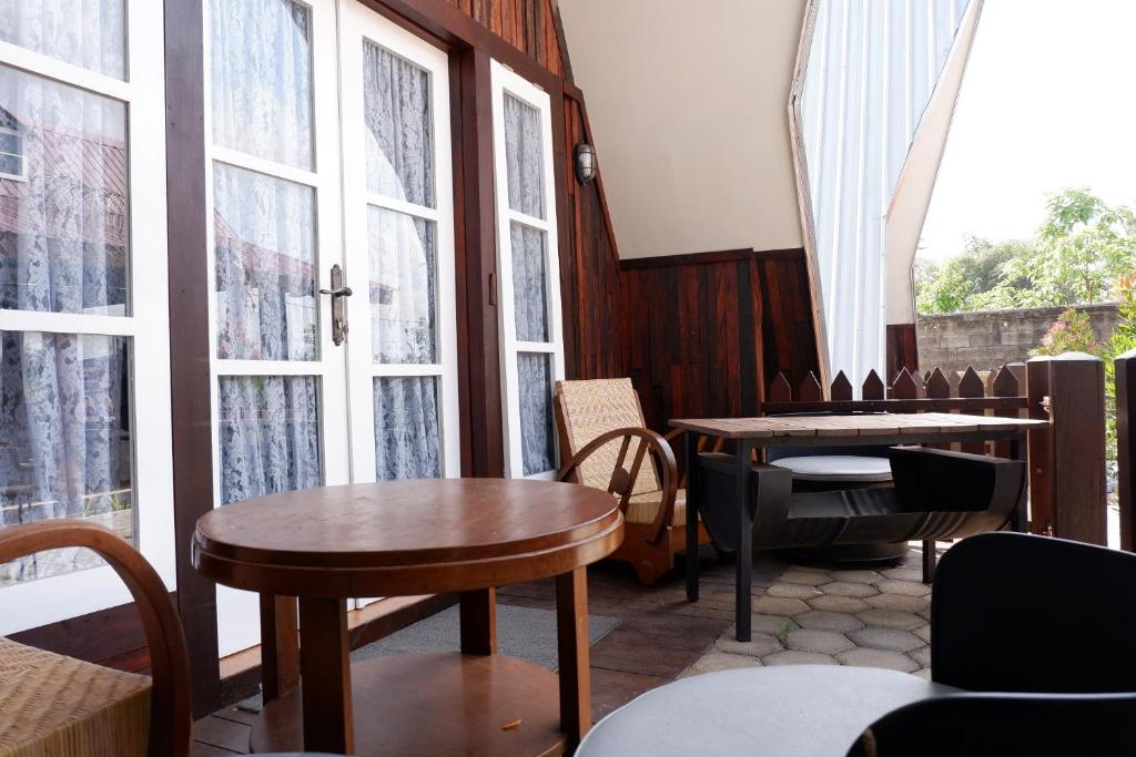 Izza Cottage Bed Breakfast Malang