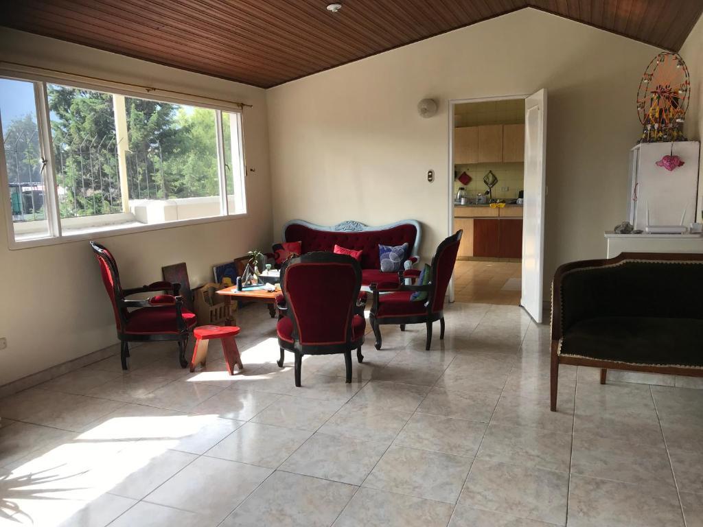 Comfortable Furnished Room Terrace Parkway Habitaciones