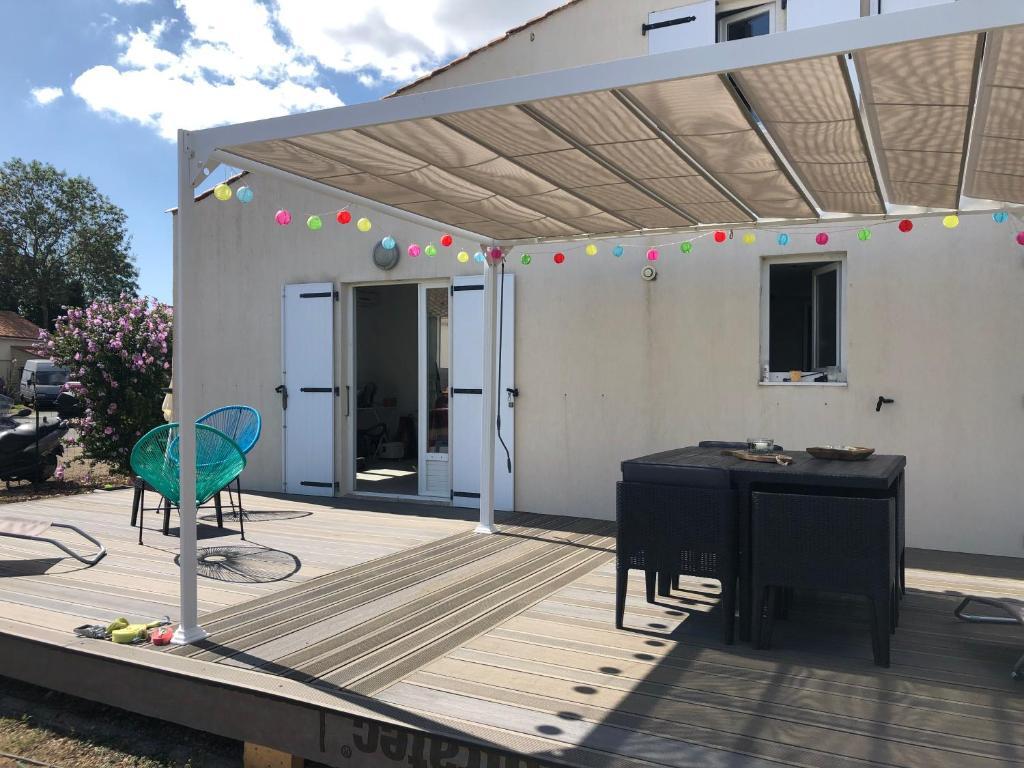 Agréable maison moderne out confort, Ferienhaus La Jarne