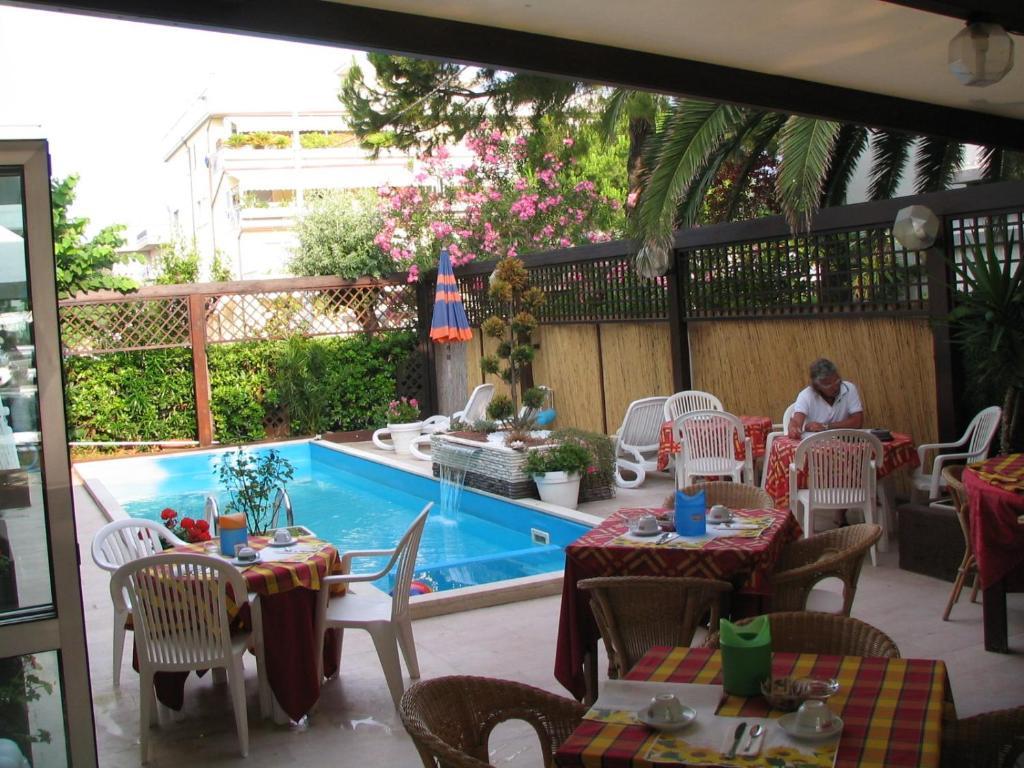 Hotel Galf Villa Rosa Recensioni