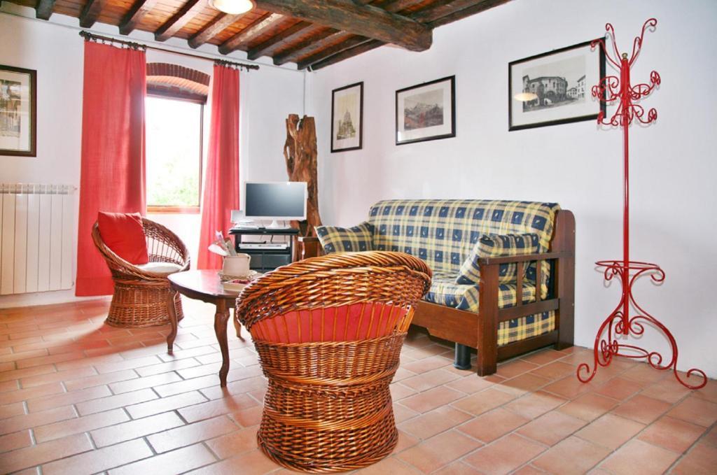 Casa smeraldo bagni di lucca prenotazione on line for Piani di casa rustico lodge