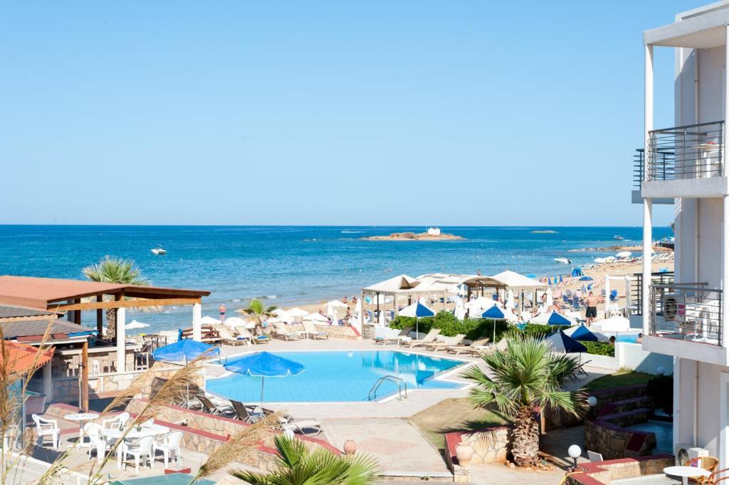 Laplaya beach reserva tu hotel con viamichelin for Habitaciones familiares lisboa